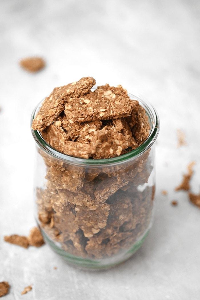 Granola sans cuisson au cacao et au beurre de coco