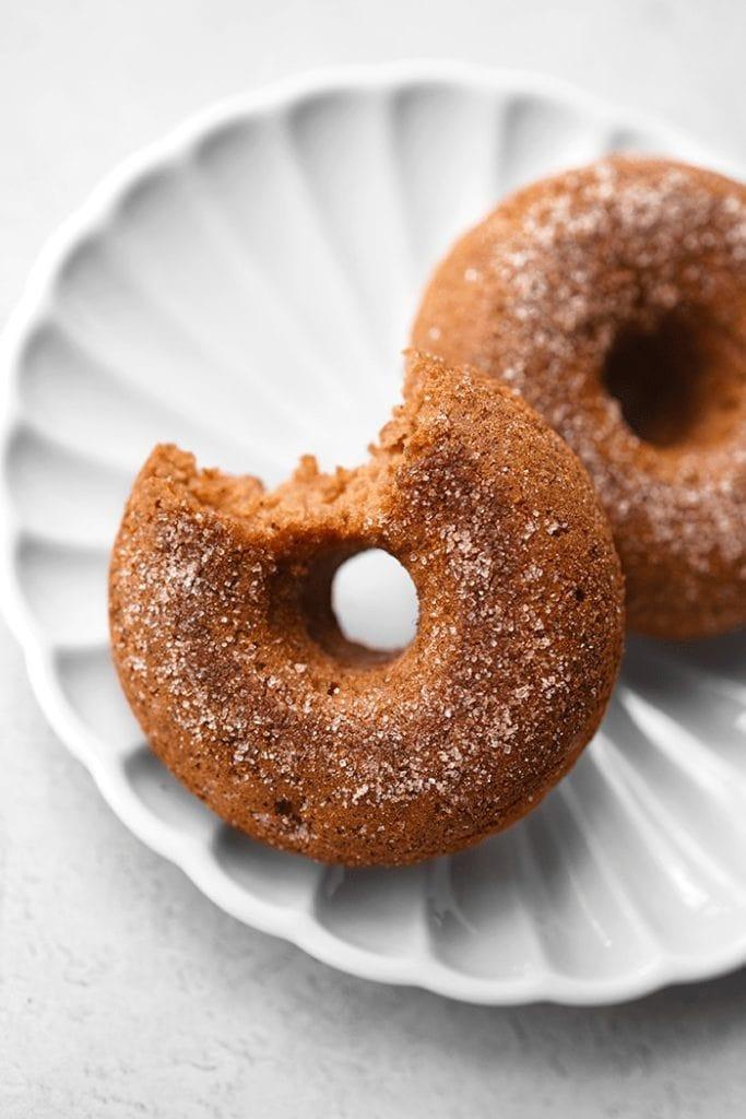 recette vegan de donuts au four au cidre de pommes par healthy